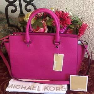 Michael Kors Bags - NWT MICHAEL KORS SAFFIANO LEATHER  LARGE SATCHEL